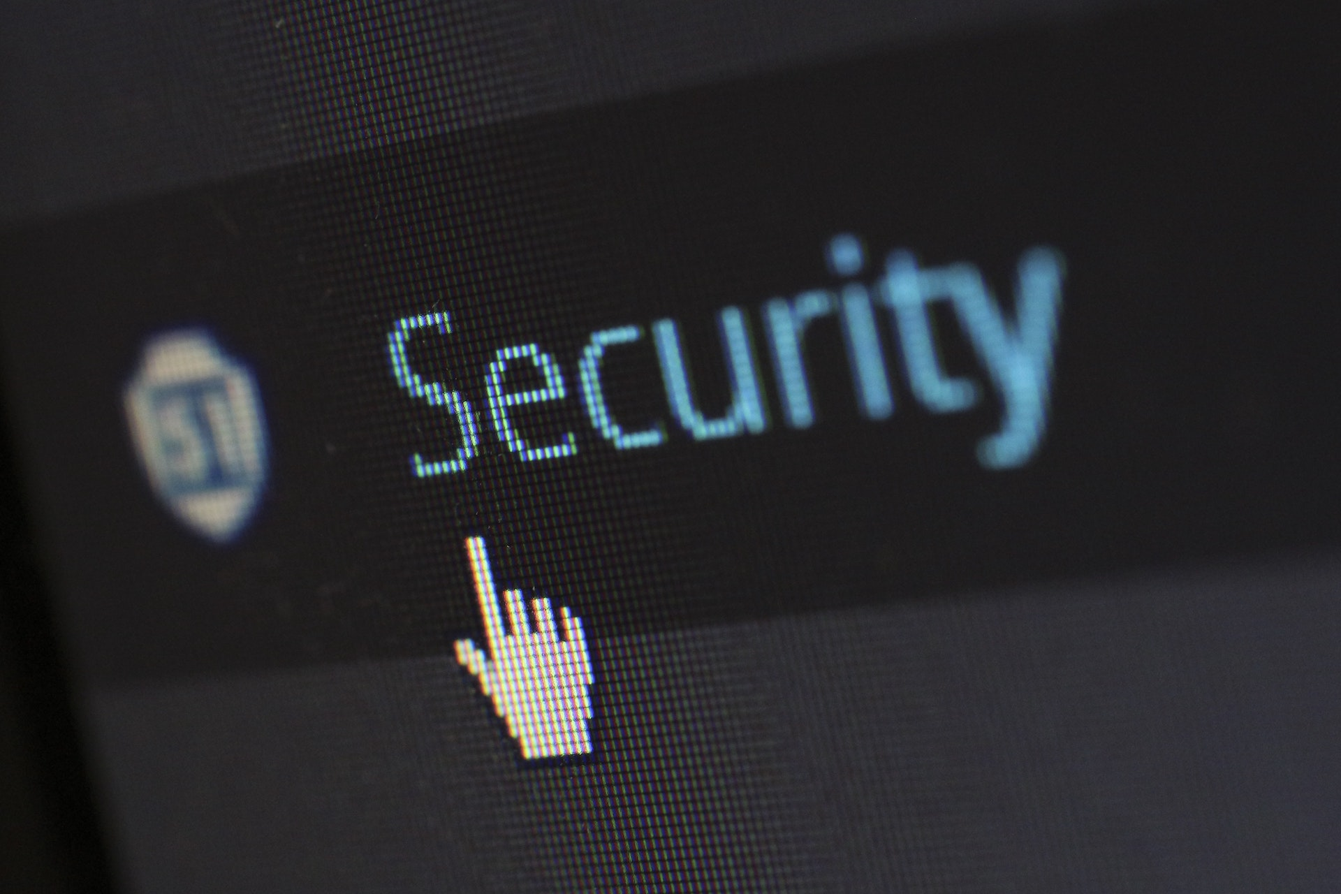 5-ways-to-stay-safe-online-featured